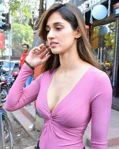 Disha Patani looks awesome Bollywood Actress Hot Photos, Indian Bollywood Actress, Bollywood Girls, Beautiful Bollywood Actress, Bollywood Bikini, Indian Actresses, Beautiful Girl Indian, Beautiful Girl Image, Most Beautiful Indian Actress