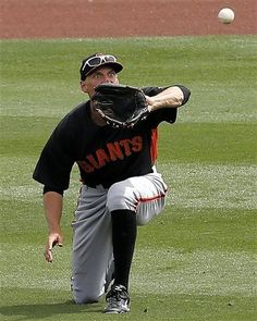 Spring 2013.  HUNTER PENCE watches the ball all the way into his glove.  It's all about the EYES!