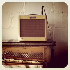 Vintage looking #Fender amp. Purchase a #Fender amp at @guitarbitz | http://www.guitarbitz.com/guitar-amplifiers-c20#m8