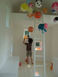 Japanese Paper balloons - a fun, inexpensive and colourful way to add some fun to a kids bedroom.