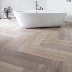 carrelage chevron salle de bain pinterest chevron carrelage et carrelage parquet. Black Bedroom Furniture Sets. Home Design Ideas