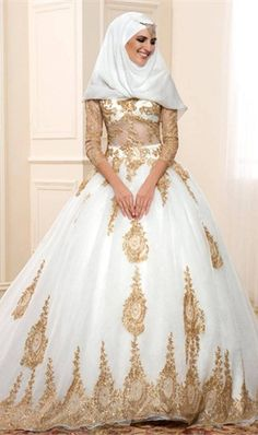 Luxury Long Sleeve Muslim Wedding Dress Elegant Golden Lace Appliques Sheer with Long Sleeves lace Wedding Dresses 2016 Bridal Gowns