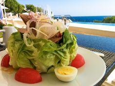 Salade Niçoise at the Grand-Hôtel du Cap-Ferrat's seaside Club Dauphin