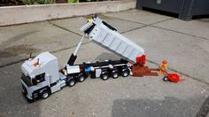 Lego Truck, Toy Trucks, Cool Lego, Cool Toys, Lego Crane, Lego Kits, Lego Pictures, Lego Vehicles, Lego Construction
