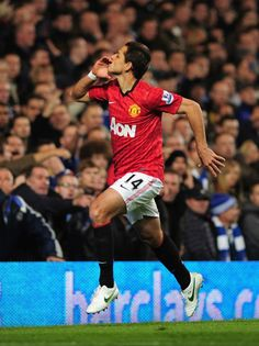 javier hernandez, one of my favourite man utd players. so quick & agile, and developing a great habbit of scoring important goals... chicarito <3