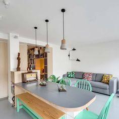 ¡Prueba mezclar bancos y sillas en la mesa del comedor! Sin duda, le dará un estilo más urbano y moderno al diseño de tu hogar.    #Habitat #HabitatVenezuela #Porcelanato #PorcelanatoEspañol #Home #Hogar #style #luxury #design #Diseño #Arquitecto #Brillo #Elegancia #Piso #Calidad #Diseñodeinteriores #Revestimiento #Vintage