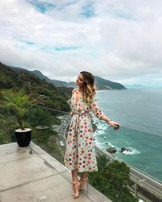 """19.9 mil curtidas, 142 comentários - Camila Coutinho (@camilacoutinho) no Instagram: """"Easy saturday✌️Look relax de sábado com vestido da @optemais! Praticamente um shopping online, tem…"""""""