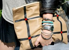 Waiting for the perfect opportunity to make this really cool clutch  (DIY clutch (ispydiy))