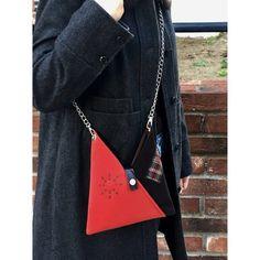 Marvelous Make a Hobo Bag Ideas. All Time Favorite Make a Hobo Bag Ideas. Beginner Sewing Patterns, Sewing Ideas, Sewing Projects, Japanese Bag, Japanese Style, Japanese Fashion, Leather Handbags Online, Triangle Bag, Plaid Fabric