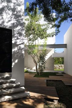 Contemporary House Among Trees by Muñoz Arquitectos AsociadosMexican architectural firm Muñoz Arquitectos Asociados has designed in 2010 the House Among Trees in Mérida, México. This contemporary house was bu... Architecture