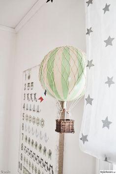 barnrum,luftballong,vitt,garderob,vimpel