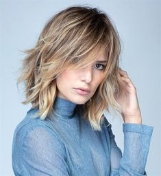 New Bob Haircuts 2019 & Bob Hairstyles 25 Bob Hair Trends for Women - Hairstyles Trends Medium Hair Cuts, Medium Hair Styles, Curly Hair Styles, Easy Hairstyles For Long Hair, Bob Hairstyles, Hairstyles Videos, Layered Hairstyles, Braided Hairstyles, Pelo Midi