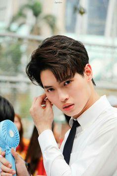 Pretty Boys, Cute Boys, Boyfriend Names, Best Dramas, Handsome Faces, Thai Drama, Ulzzang Boy, New Love, Boys Who