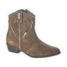 now on eboutic. St Tropez France, Rocky Boots, Saint Tropez, Cowboy Boots, Texas, Footwear, Sandals, Stylish, Grey