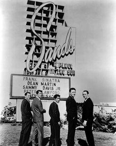OCEAN'S ELEVEN, Frank Sinatra, Dean Martin, Sammy Davis Jr., Peter Lawford, Joey Bishop, 1960, marquee