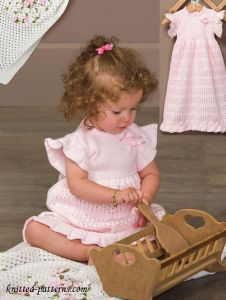 Knitting for children Baby Knitting Patterns, Knitting For Kids, Baby Patterns, Free Knitting, Knitting Projects, Knit Baby Dress, Knitted Baby Clothes, Baby Sweaters, Free Baby Stuff