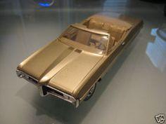 1968 Pontiac Bonneville Convertible promo model Promotional Model, Pontiac Bonneville, Train Car, Scale Models, Vintage Toys, Hot Wheels, Classic Cars, Convertible, Trains