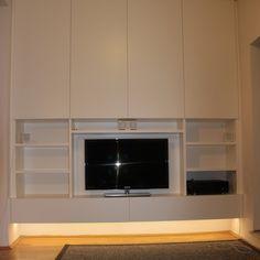 #TV-Schrank in weiß lackiert