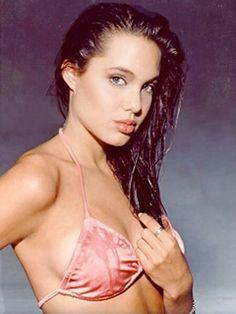 Young Angelina Jolie !