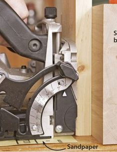 Woodworking Tutorials, Woodworking Joints, Fine Woodworking, Diy Wood Projects, Wood Crafts, Biscuit Joiner, Wood Jig, Wood Magazine, Built In Cabinets