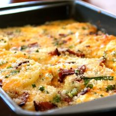 These recipes with potatoes are some of the best casserole recipes you will ever find. We have gathered some great potato casserole recipes that will fit in at any potluck. Enjoy 4 Potluck Recipes With Potatoes. Yummy Recipes, Side Dish Recipes, Great Recipes, Dinner Recipes, Cooking Recipes, Favorite Recipes, Pizza Recipes, Potluck Recipes, Crock Pot Recipes