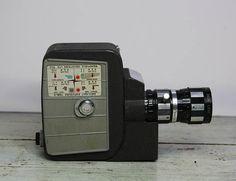 Vintage MOVIE CAMERA Mansfield Holiday Reflex Zoom Camera
