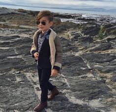 Alonso Mateo Best Picture For cool Kid Styles For Your Taste You are looking for something, and it i Fashion Kids, Girl Fashion, Baby Boy Outfits, Kids Outfits, Boys Christmas Outfits, Kid Styles, Cool Kids, Style Inspiration, Clothes