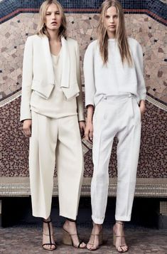 Chloé 13-14. All white outfits. #workwear