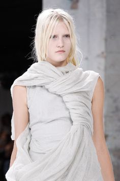 Rick Owens Spring 2017 Ready-to-Wear Fashion Show Details