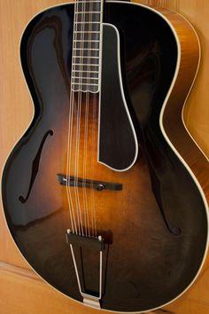 Octave mandolinhttp://mowrystrings.com