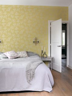Behang bloemen / Wallpaper flowers collection IZI - BN Wallcoverings