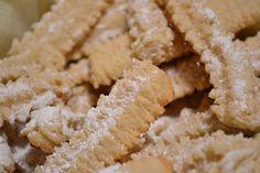 Myra's kitchen: Biscuiti spritati