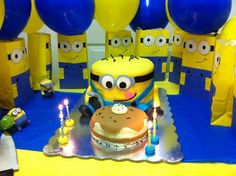 8 Despicable me Minion party favor bags!! on Etsy, $15.00