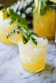 24 Affordable Recipes To Make For Your Next Summer Party Snacks Für Party, Party Drinks, Fun Drinks, Beverages, Sangria Recipes, Cocktail Recipes, Margarita Recipes, Summer Cocktails, Cocktail Drinks