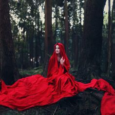 The Look: Waiting For Her Wolf (by Boy_Wonder) Dark Fairytale, Fairytale Fantasies, Big Bad Wolf, Waiting For Her, Red Hood, Red Riding Hood, Little Red, Amazing Photography, Editorial Photography