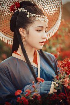 Hanfu, Traditional Fashion, Traditional Outfits, Ancient Beauty, China Girl, Beautiful Asian Girls, Ulzzang Girl, Japanese Girl, Asian Fashion