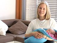 Mit dem Baby zu Hause | Nach der Geburt richtet sich das Familienleben am besten nach den Bedürfnissen des neuen Babys. Im Film geben wir Ihnen ein paar praktische Tipps für diese erste Zeit zu Hause.