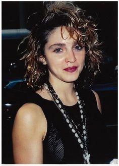 1984 - Madonna at The New Music Seminar Madonna Looks, Lady Madonna, Madonna Fashion, 80s Fashion, Guinness, 1980s Madonna, Madonna Rare, Veronica, Madonna Costume