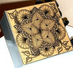 Auraknot Box from News from Zentangle (newsletter January 2014)