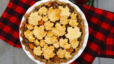 Celebrate Canada 150 with this delicious vegetarian tourtiere. If you are offended by this untraditional meatless version, don't worry our French Canadian Assistant Director Anne-Marie has already voiced her concerns. Vegetarian Thanksgiving, Thanksgiving Recipes, Canadian Thanksgiving, Christmas Recipes, Fall Recipes, Holiday Recipes, Maple Leaf Cookies, Veggie Recipes, Vegetarian Recipes