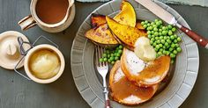 A healthy recipe for grilled pork chops with apple sauce, potatoes and green beans. Very easy to cook on the grill.Grilled Pork Chops with Applesauce. Pork Chops And Applesauce, Apple Pork Chops, Pork And Apple Sauce, Pork Roast With Apples, Pork Recipes, Healthy Recipes, Grilled Pork Chops, Roast Pumpkin, Pork Ribs