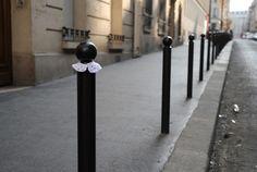 col claudine Door Handles, Doors, Paris, Home Decor, Door Knobs, Montmartre Paris, Decoration Home, Room Decor, Paris France