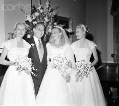 Elizabeth Ann Kelly in 1954 with her sister Grace Kelly