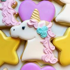 Let's kick off2017with a magical cookie tutorial... the unicorn! Check out this start to finish look at how to create this pretty design. Decorating