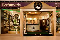 For more than 20 years Parfumeria Quality Missala in Poland has been offering its customers prestigious fragrance brands like Puredistance. And, with the opening of the latest boutique in Warsaw, Quality Missala shows why they are known as the leading luxurious perfumeries in Poland.