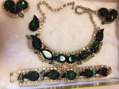 Vintage Juliana Emerald And A B Teardrop Rhinestone Necklace Bracelet Earring Set