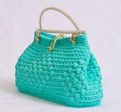Chorrilho de ideias: Mala verde água em crochet