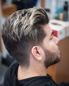 highlights hair by renowned london colourist 30 hair color highlights for men to rejuvenate youth 5 rules of hair highlights … Men Hair Color Highlights, 30 Hair Color, Mens Hair Colour, Colored Highlights, Platinum Highlights, Guys With Highlights, Dyed Hair Men, Blonde Streaks, Haircuts For Men