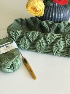 3D bladmønstertaske og gratis opskrift på stjernetaske. Diy Crochet And Knitting, Crochet Girls, Learn To Crochet, Crochet Crafts, Crochet Stitches, Crochet Patterns, Diy Fashion Projects, Crochet Diagram, Crochet Purses