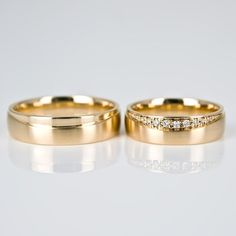 Are you searching for inexpensive wedding bands? At EFES you'll find wedding bands from Nuremberg. All wedding bands are available online. Our idea is based on the fact spouse rings as a Mark of these Wedding Rings Sets His And Hers, Gold Wedding Rings, Wedding Rings For Women, Wedding Ring Bands, Gold Rings, Gold Ring Designs, Wedding Ring Designs, Engagement Rings Couple, Unique Rings